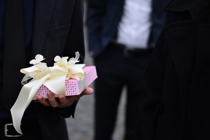 regalo di matrimonio se non si partecipa