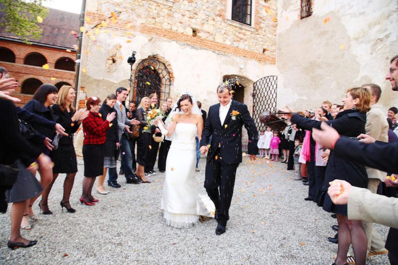 idee per uscita sposi dalla chiesa